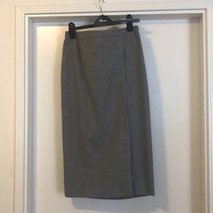 Banana Republic Size 6 Grey Midi Skirt